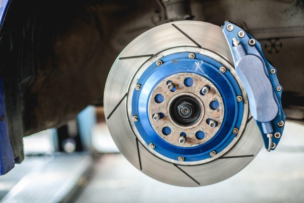 Quand changer les disques et plaquettes de frein