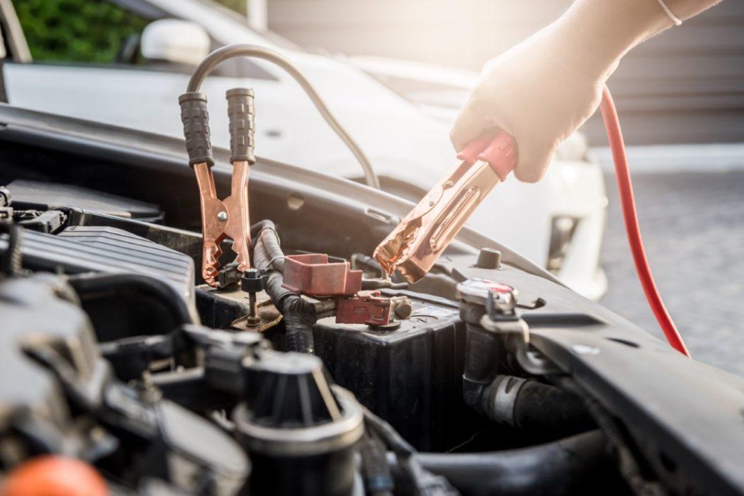 recharger une batterie de voiture sans chargeur