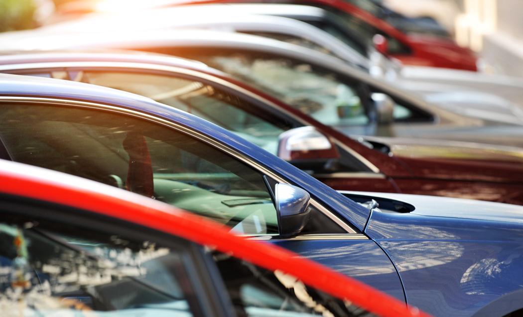 comment acheter sa voiture neuve moins chère ? Voici 7 conseils pour devenir propriétaire d'une voiture neuve à moindre coût.