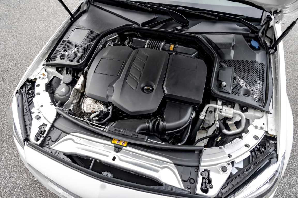 moteur diesel propre et décrassé